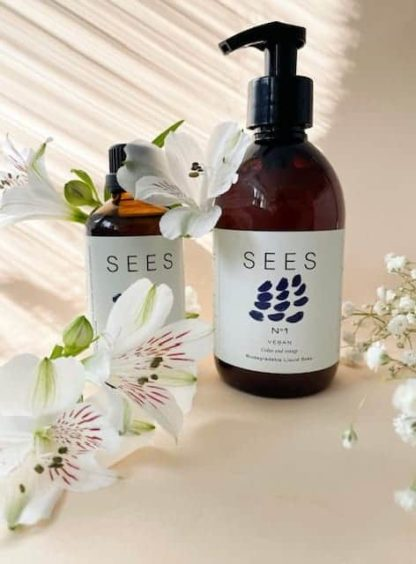 Äitienpäivän lahjapaketti biohajoava saippua ja bergamotti sitruuna ihoöljy